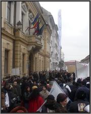 Aproape 2000 de oameni au protestat Impotriva noului Cod al Muncii